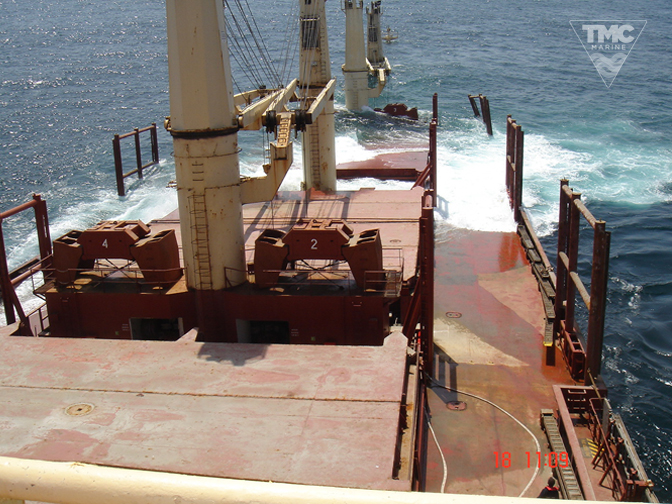 NEW FLAME – Gibraltar – August 2007-Wreck removal-3